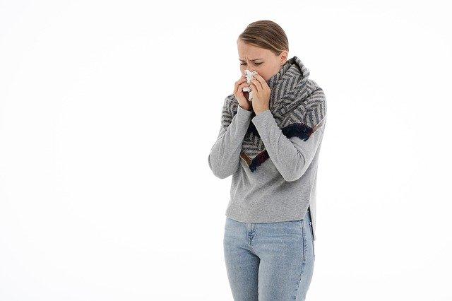 Krople do nosa jako jeden ze sposobów na katar